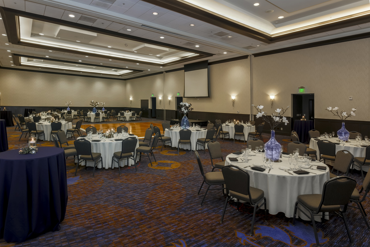 Courtyard by Marriott Liberty Station - ballroom