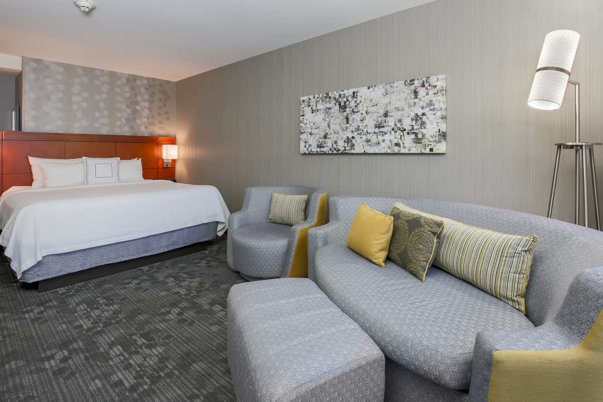 Courtyard by Marriott Liberty Station - bed