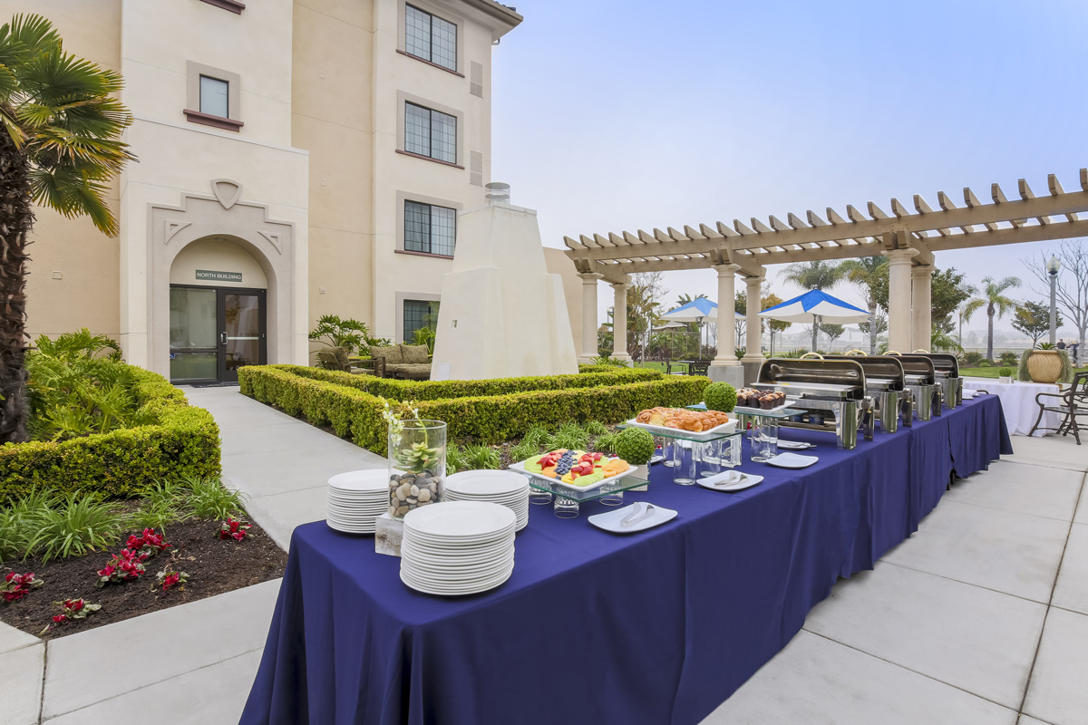 Courtyard by Marriott Liberty Station - breakfast