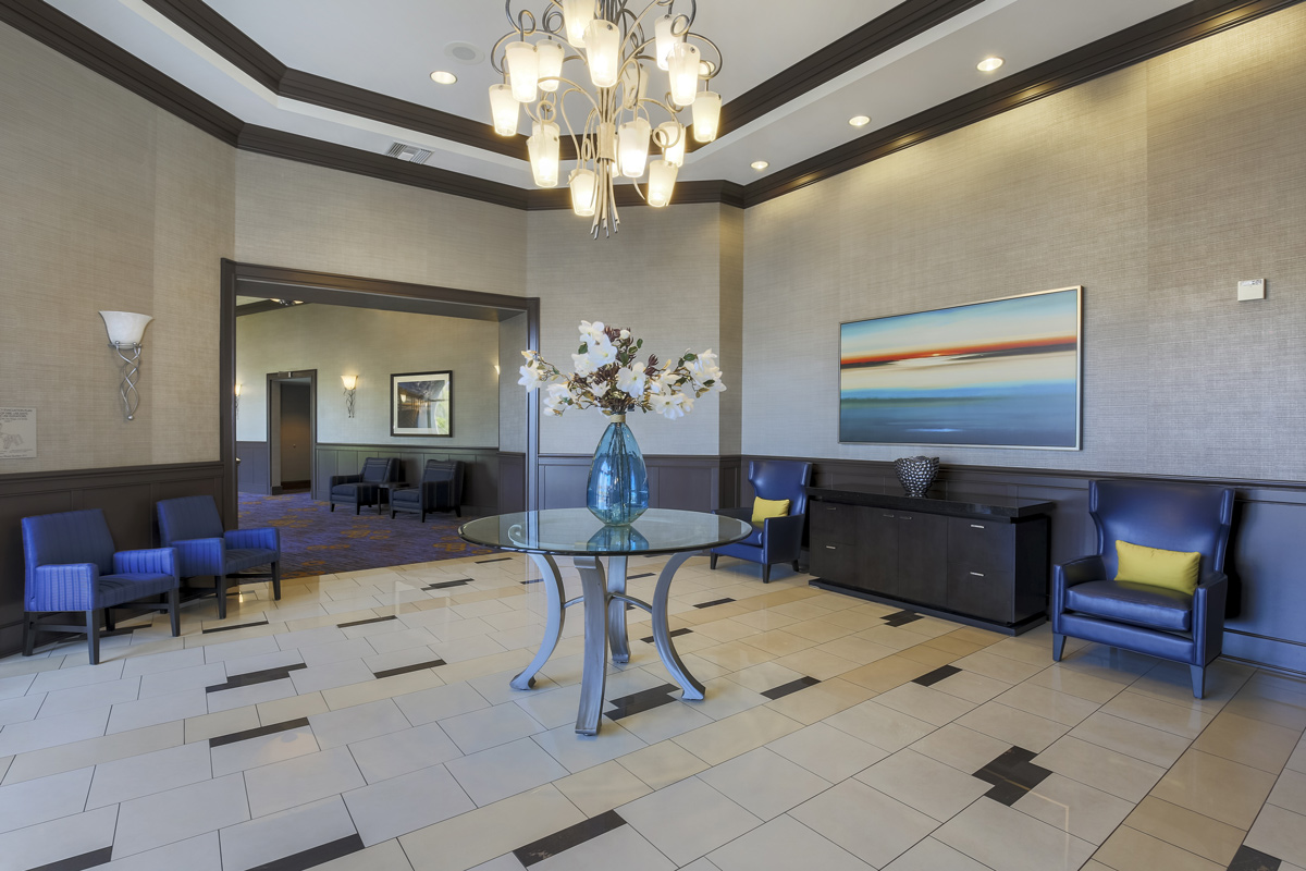 Courtyard by Marriott Liberty Station - foyer