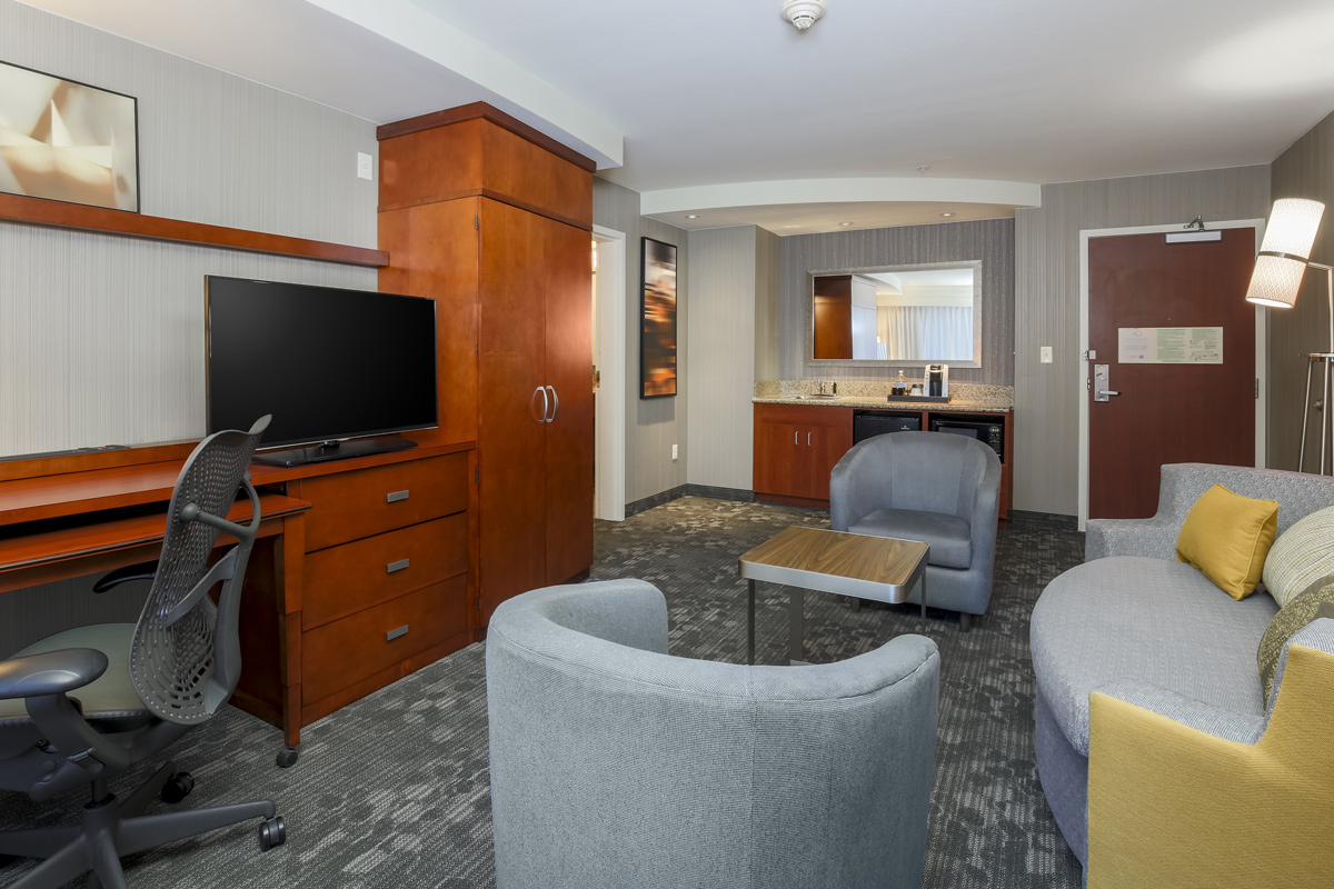 Courtyard by Marriott Liberty Station - suite